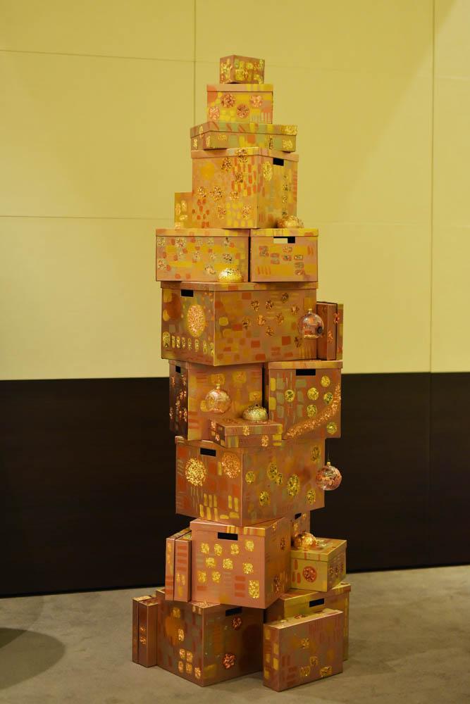 Ana Mohonea & Maria Mohonea - Architectural Christmas - KLIMT - Bradul care se va transforma în 50 de tablouri, achiziționat de Contana